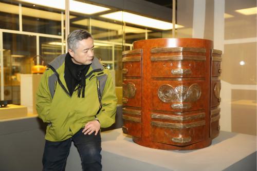 以铜为舟,朱军岷二十载与中华五千年
